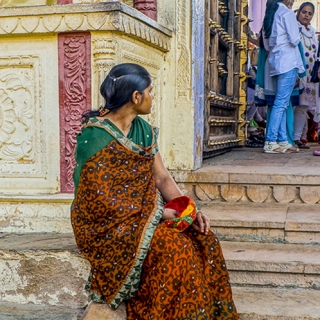 Kathy Sigman: Seated Girl, Pushkar India_Colour Pictorial
